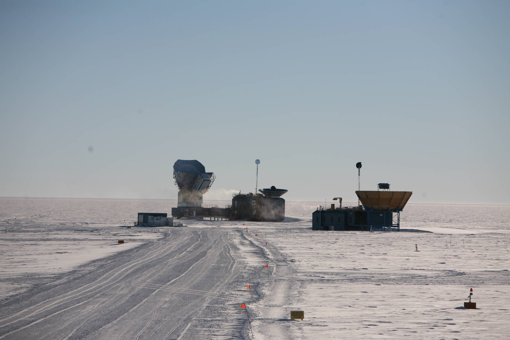 The Dark Sector Laboratory/South Pole Telescope seen from the station (where we live/sleep/eat). To the right: the MAPO building.