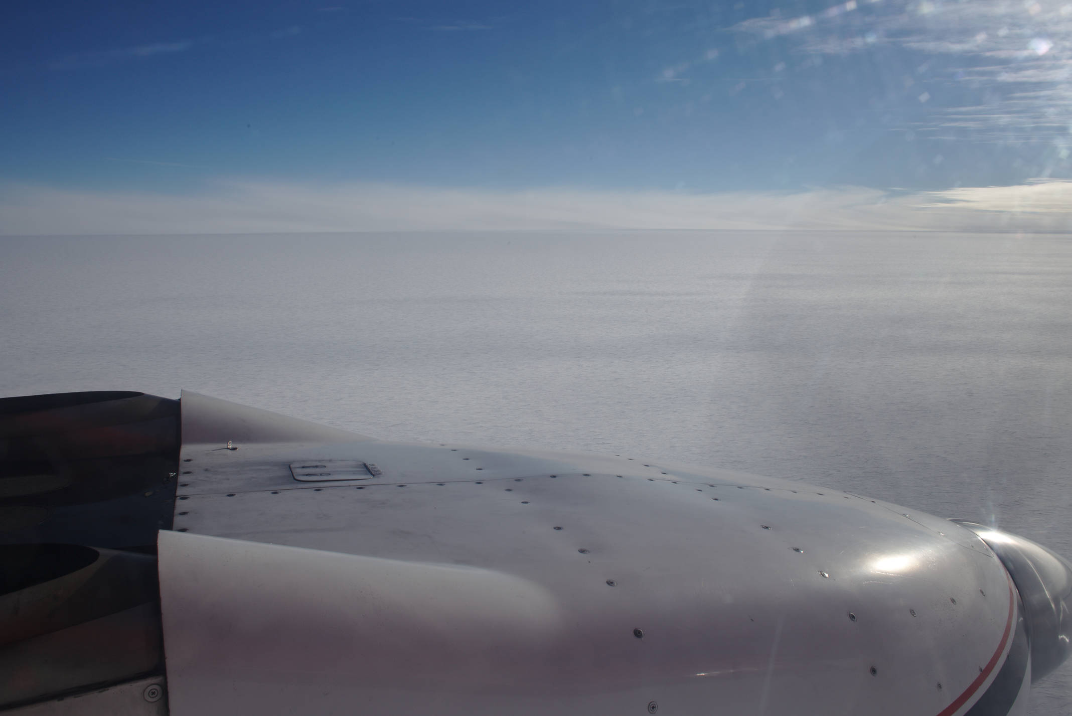 The Antarctic plateau. Nothing but flat and white for the next 120 minutes of flight time
